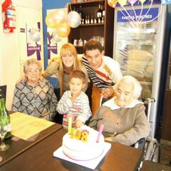 Benegas on her 108th birthday with her relatives.