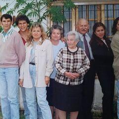 Benegas with her children and grandchildren in ~1990-2000.
