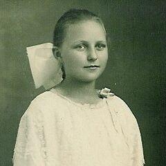 Stella Lennox in early 1920s