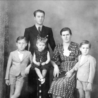 Finotti in 1939 with her family.