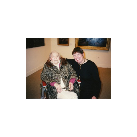 Theresa Bernstein-Meyerowitz at age 105 at the gallery of her paintings.