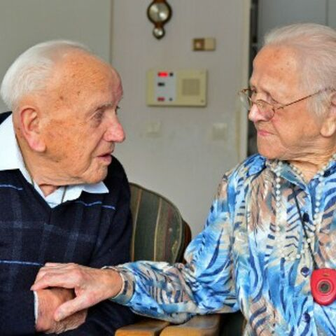 Egbertje (right) with her 101-year-old brother Roelof de Vries (left) in March 2013 during the opening ceremony of a building in their town.