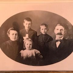 Iris Westman as a young girl (middle).