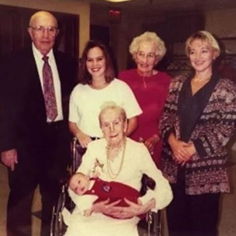 Kathryn Sullivan (age 92), her mother Sarah Knauss (age 119), her son Robert Butz (age 70), her granddaughter Kathy Jacoby (age 46), her great-granddaughter Kristina Patton (age 24), great-great-granson Bradley (age 0).
