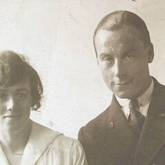 Henry Allingham with his wife.