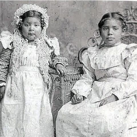 Martha Berryhill (left), at about age 4, with her sister, Elizabeth Berryhill.