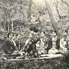 Nakachi enjoyed a tea party in the forest called