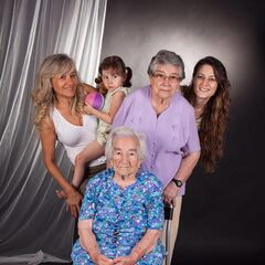 Benegas at age 107 in Barcelona, Spain with 5 generations.