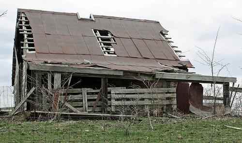 File:Geshden Community Center.jpg