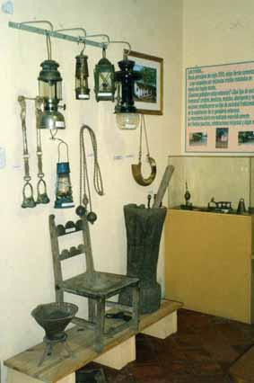 Archivo:Santiago Temple-una de las salas dell Museo Histórico.jpg