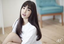Yuju Season of Glass Promo Photo (1)