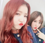 Sowon and Eunha Insta Update Mar 21, 2017 (1)