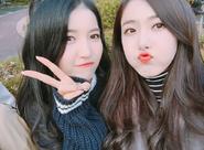 Sowon and SinB Insta Update Nov 13, 2017 (2)