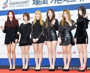 GFRIEND at 6th Gaon Chart Awards 2017 Red Carpet (2)