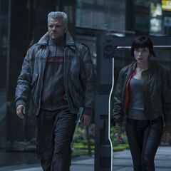 Batou and Motoko walking - Ghost if the Shell movie (2017)
