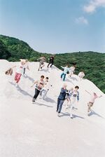 SEVENTEEN Boys Be group photo 1