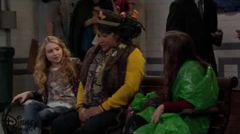"Girl Meets World - Clip - ""Girl Meets Crazy Hat"""