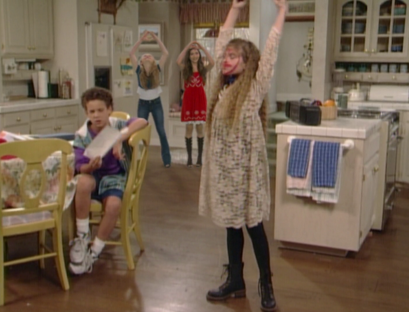 """girl meets world cast wiki Corey has a theory as to why he is so close with his former cast-members """"girl meets world was my life for like four years,"""" he explained."""