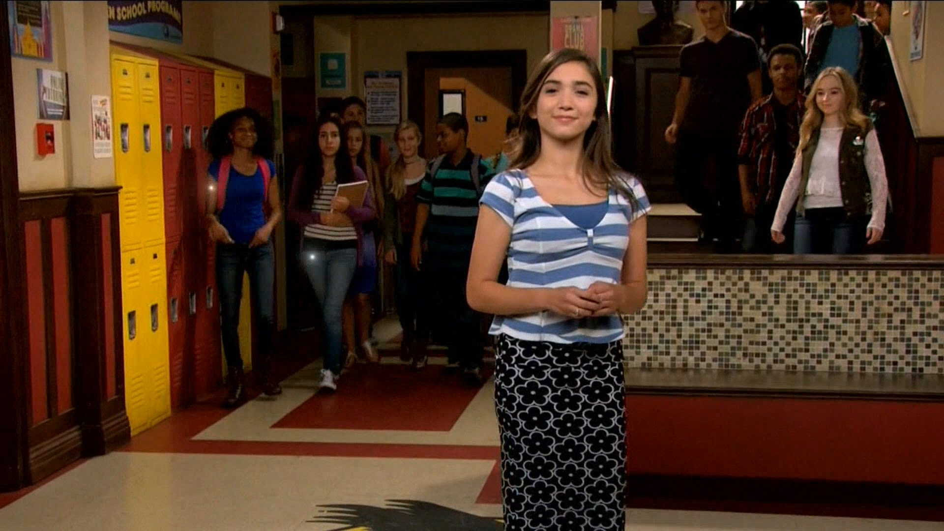 are riley and lucas dating in real life There's been a rumor floating around that maya is gay, especially with the upcoming episode titled girl meets true maya i could definitely see a situation in which lucas picks maya but then, with the latest episode about maya not being her real self, maya decides to come out and turns lucas down.
