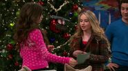 Girl Meets Home for the Holidays12
