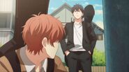 Ritsuka goes over to where Mafuyu is hiding