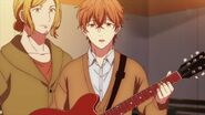 Mafuyu tells Ritsuka that he was able to change the strings