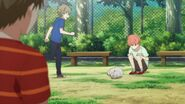 Mafuyu looking at the cat