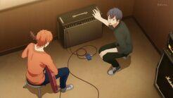 Ritsuka telling Mafuyu that he can play a little
