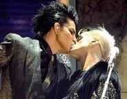 Adam Lambert kiss TJR