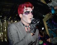 Adam Lambert hrns