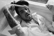 Adam Lambert pic33
