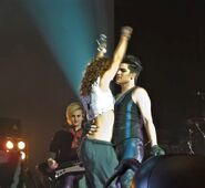 Adam Lambert dance