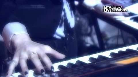 Adam Lambert - Fever (MTV UK Live Sessions)