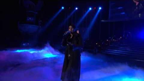 Adam Lambert - Mad World (American Idol Performance)