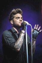 Adam Lamberts singing5