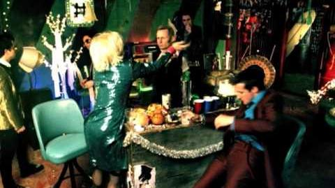 """Green Day """"Holiday"""" - Official Video"""