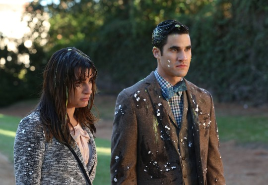 Who Does Blaine Hook Up With On Glee