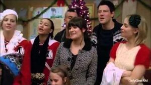 "GLEE ""Do They Know It's Christmas?"" (Full Performance) From ""Extraordinary Merry Christmas"""