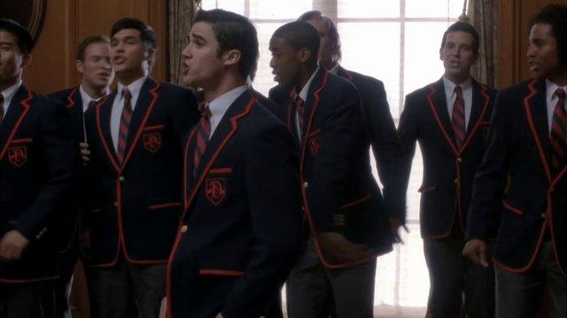 Glee - Teenage Dream (Full Performance)