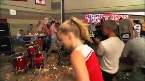 Behind The Scenes - Glee - The Food Fight!