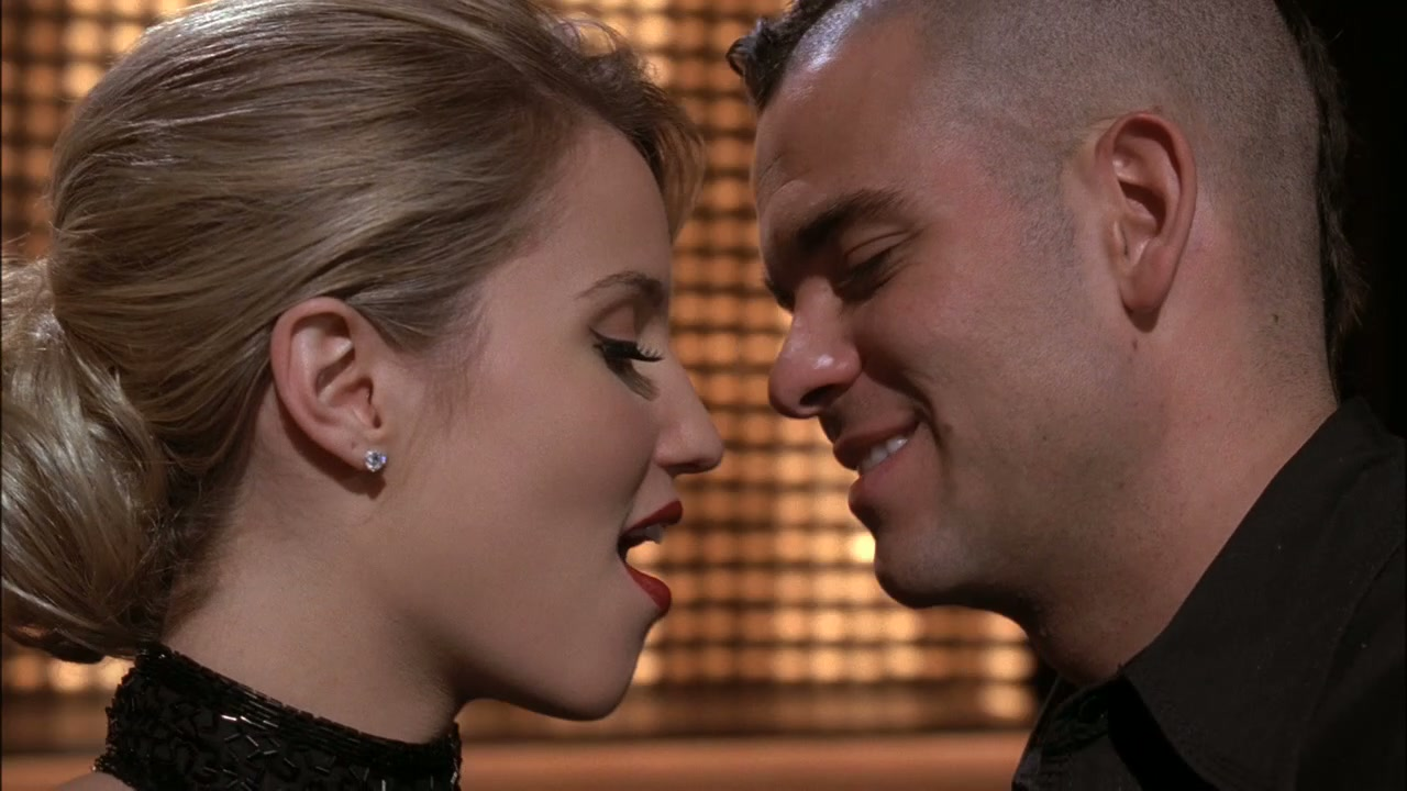 Who has puck hookup on glee