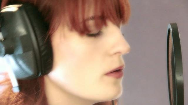 Florence and the Machine - Shake It Out (Acoustic)