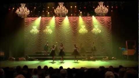 "GLEE - Full Performance of ""Pinball Wizard"""