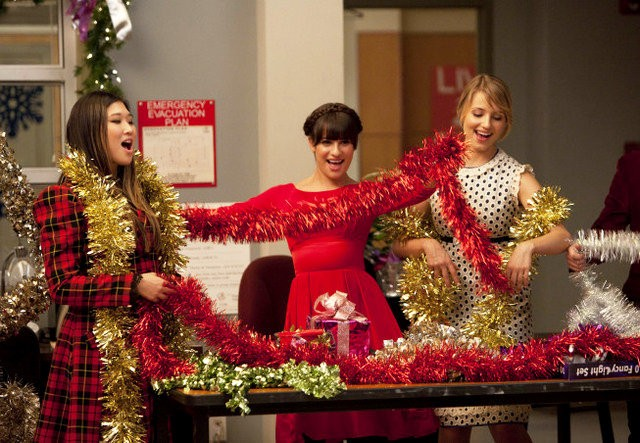 File:Glee-all-i-want-for-christmas-is-you-and-do-they-know-it-s-christmas.jpg