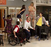 Glee-blaine-covers-last-friday-night-rory-befriends-finn