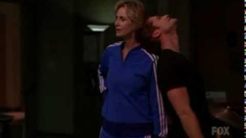 Glee - Tell me something good (Sue Sylvester and Mr