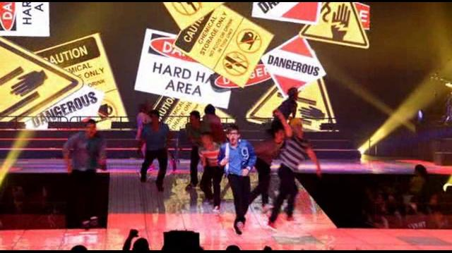 Safety Dance Glee 3D Concert Movie
