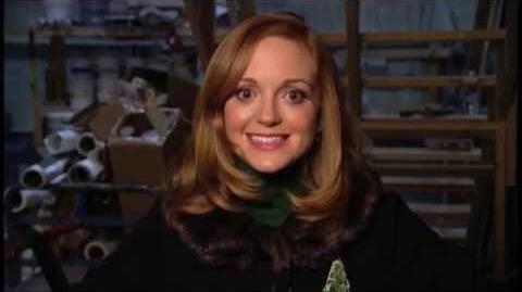 "GLEE Behind The Scenes ""Extraordinary Merry Christmas"""