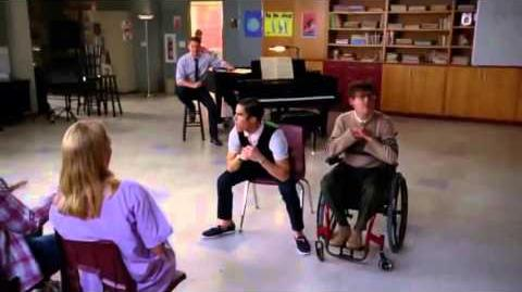 GLEE Full Performance of 'Boys''Boyfriend'