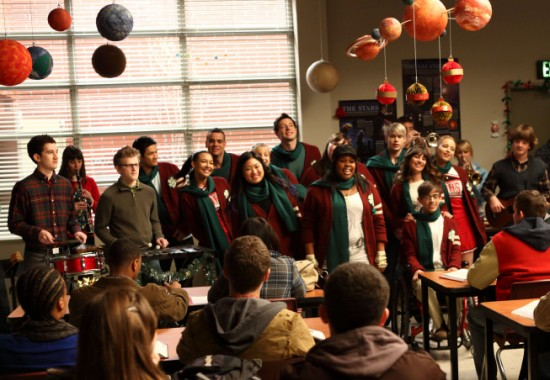 Need A Little Christmas.We Need A Little Christmas Glee Tv Show Wiki Fandom